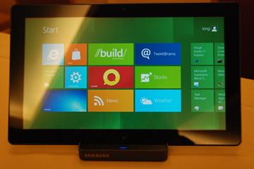 windows-8-wdp-samsung-front-tablet